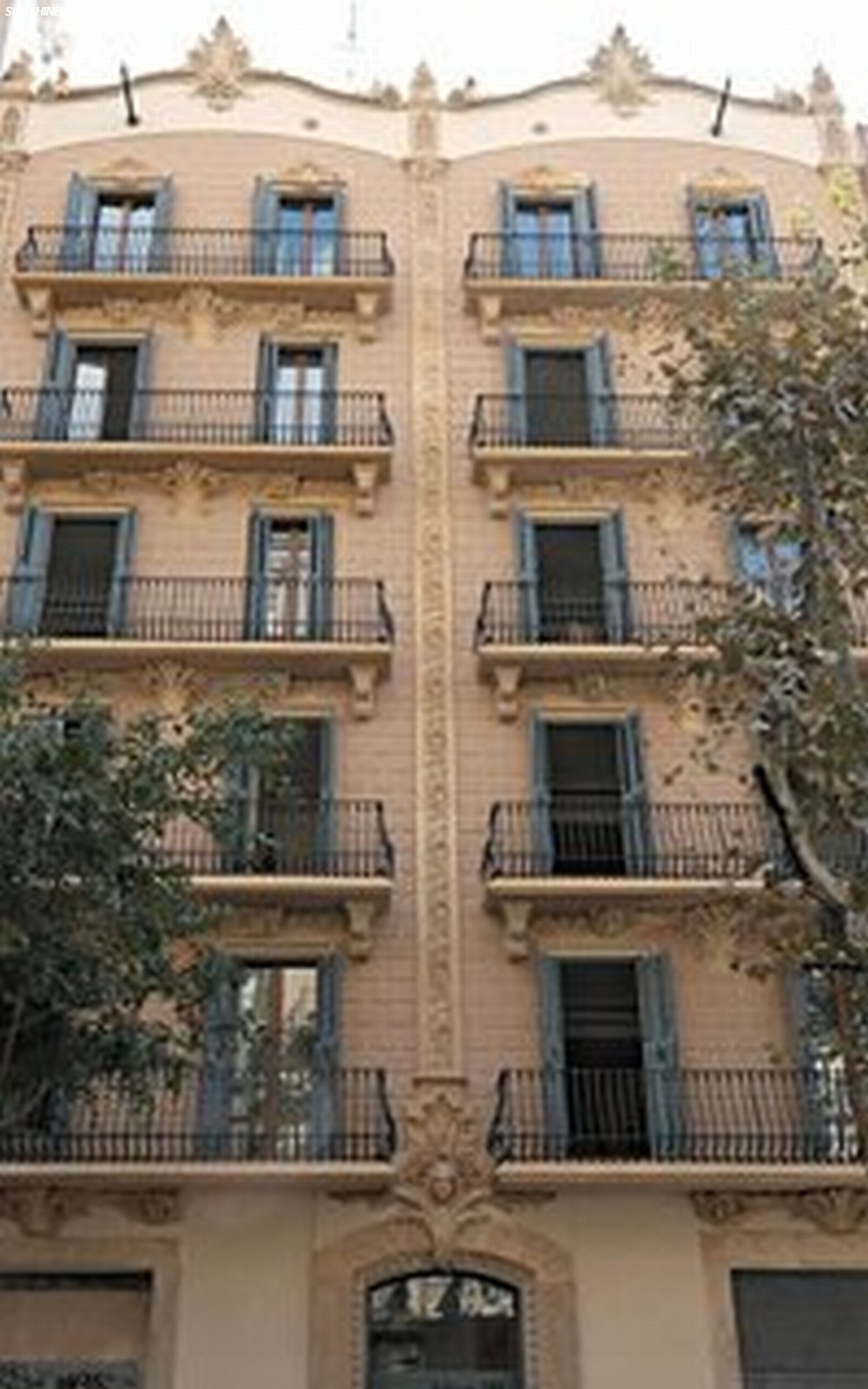 Hotel in spagna splendom suites a barcellona appartamenti for Appartamenti barcellona